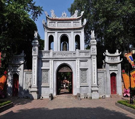 hai bai trung temple