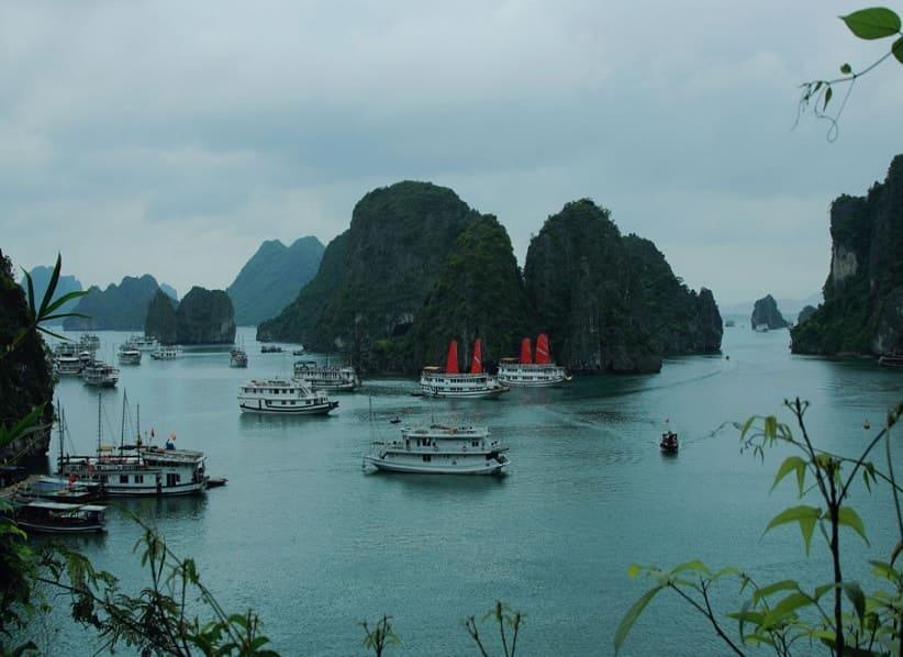 travel to vietnam halong bay cruise