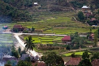 Northwest Vietnam Tour . 4WD road trip to ethnic minorities